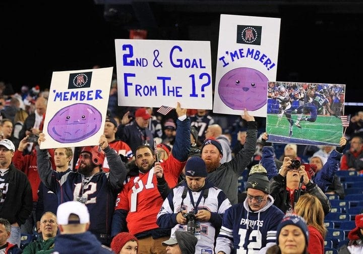 5a834cad9 Finding The NFL's Funniest Signs | Tie Breaker